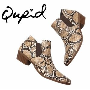 🆕 Qupid   Salena Snakeskin Ankle Booties - Size 6